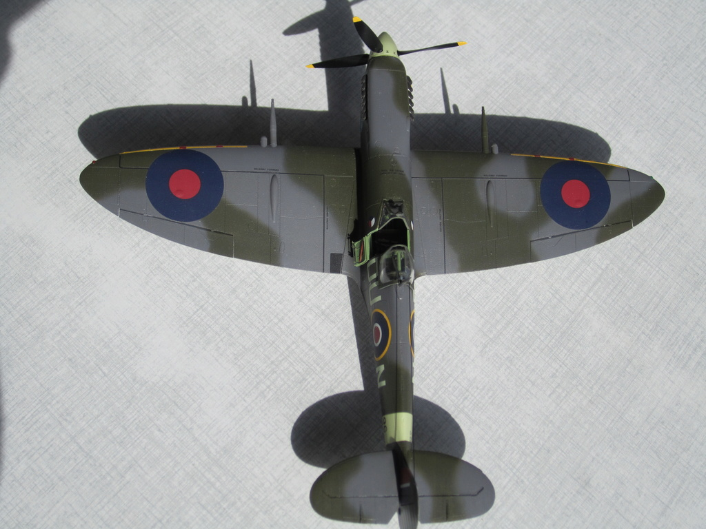 Supermarine Spitfire MK IX C 1/48 Eduard - Page 2 Img_2433