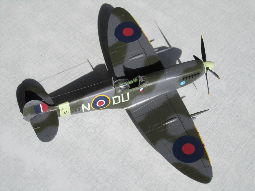 Supermarine Spitfire MK IX C 1/48 Eduard - Page 2 Img_2436
