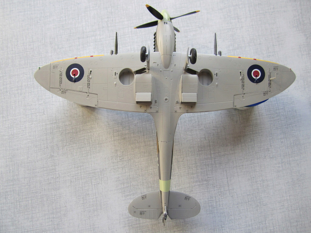 Supermarine Spitfire MK IX C 1/48 Eduard - Page 2 Img_2450