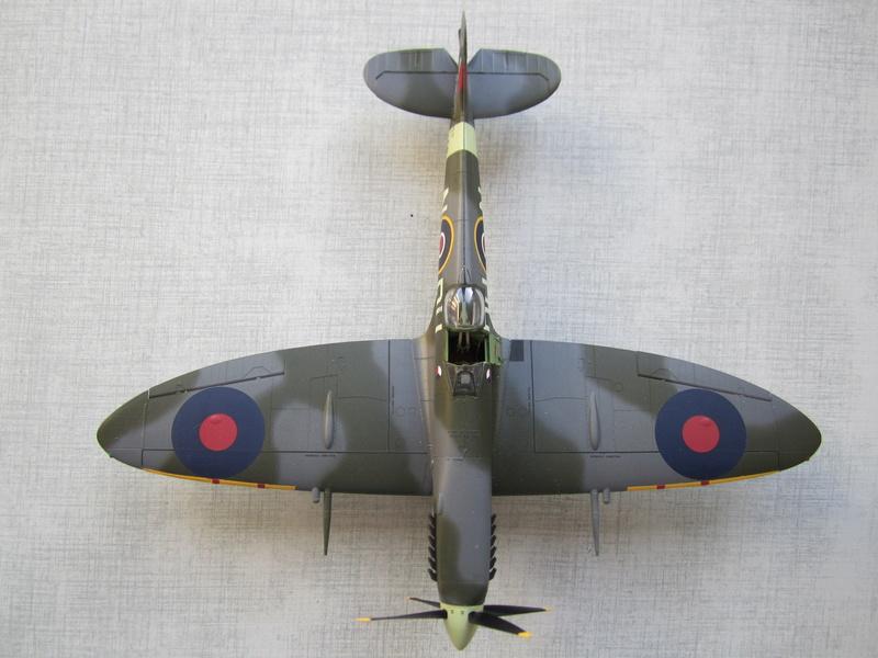 Supermarine Spitfire MK IX C 1/48 Eduard Img_2457