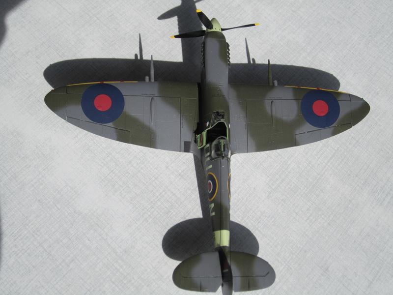 Supermarine Spitfire MK IX C 1/48 Eduard Img_2460