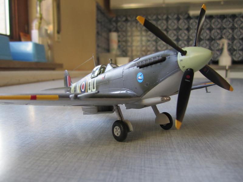 Supermarine Spitfire MK IX C 1/48 Eduard Img_2468