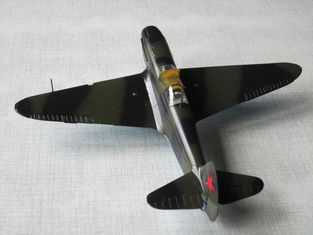 Yakovlev Yak 1B 1/48 Eduard  Img_2511