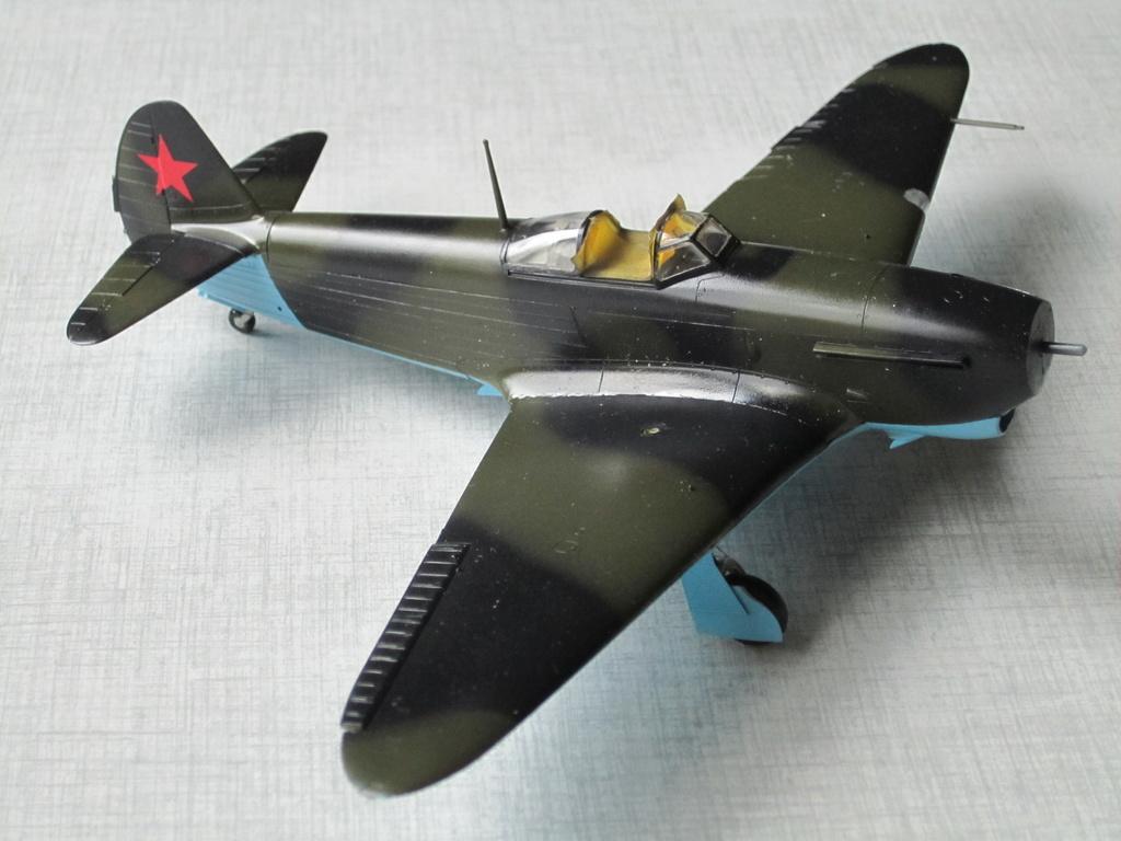 Yakovlev Yak 1B 1/48 Eduard  Img_2518
