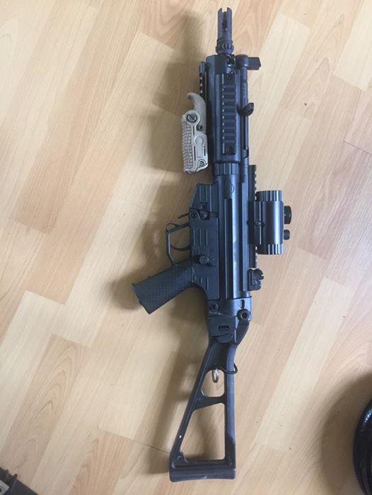 Mp5 et Glock 16807010