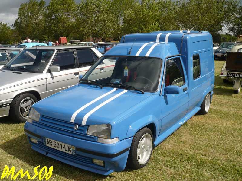 voitures anciennes avec Renault y aura toujours des mecanos...... 11103111