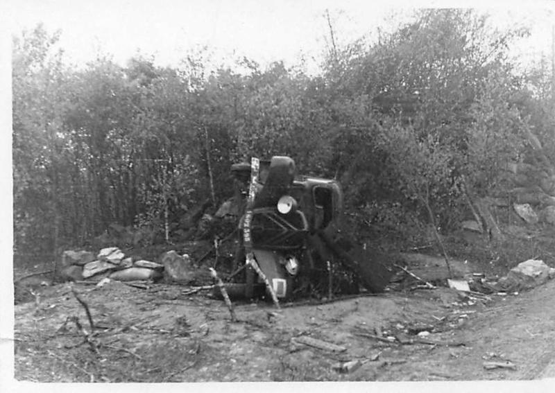 Véhicules divers abandonnés en Mai/Juin 1940 – vos photos - Page 7 602_3910