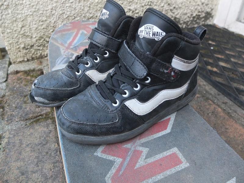 Photo de vos shoes de skate. - Page 9 110