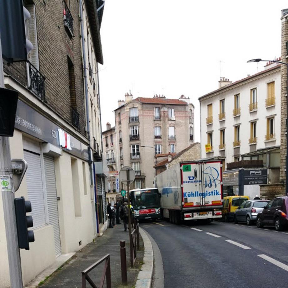 Avenue de la République - D143 - Problèmes de circulation Crac_b11