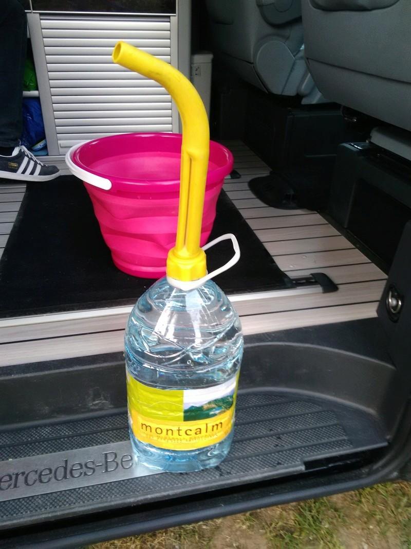 remplissage réservoir eau propre Img_2010