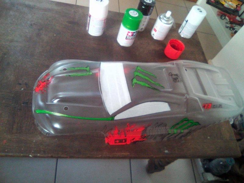 carrosserie E-REVO en cours de peinture 16735410