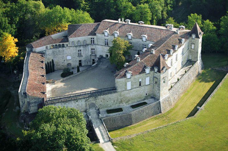 Le château de Fervaques ... 13525810