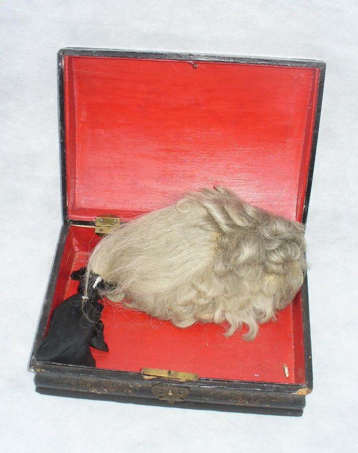 Perruques et  boîtes à perruques au XVIIIe siècle 3a35eb10