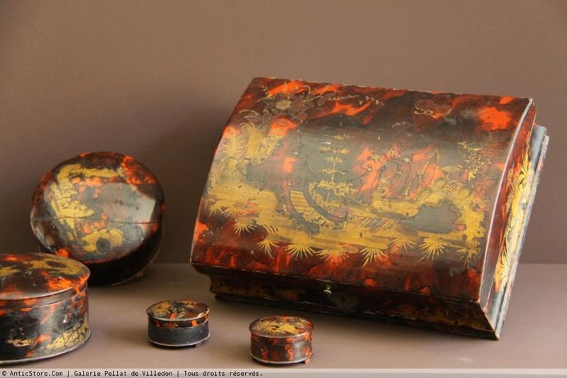 Perruques et  boîtes à perruques au XVIIIe siècle Antics10