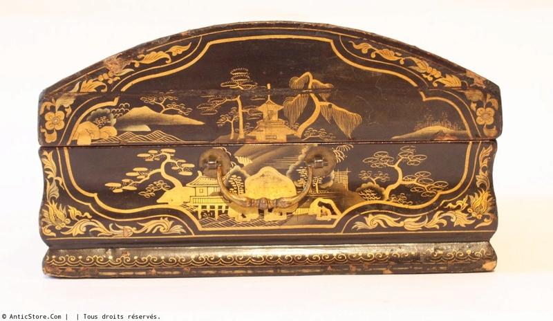 Perruques et  boîtes à perruques au XVIIIe siècle Antics11