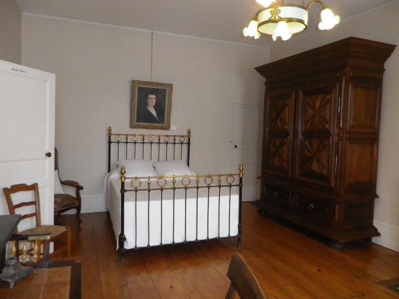 A Jarnac, la maison natale de Mitterrand Imgp6644