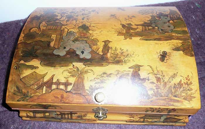 Perruques et  boîtes à perruques au XVIIIe siècle Restau10
