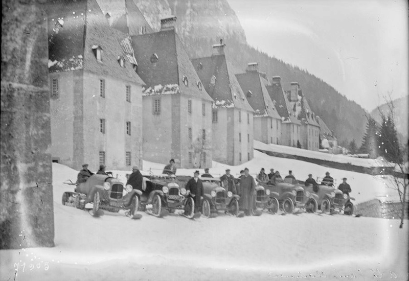 Concours de voitures à neige au Col du Sappey le 9 Février 1922 036