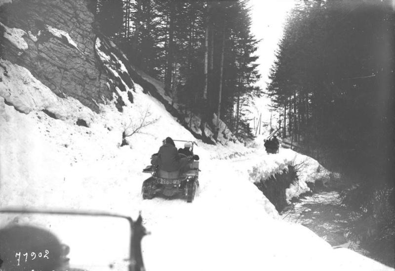 Concours de voitures à neige au Col du Sappey le 9 Février 1922 038