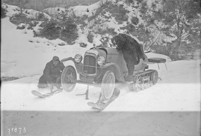 Concours de voitures à neige au Col du Sappey le 9 Février 1922 1114