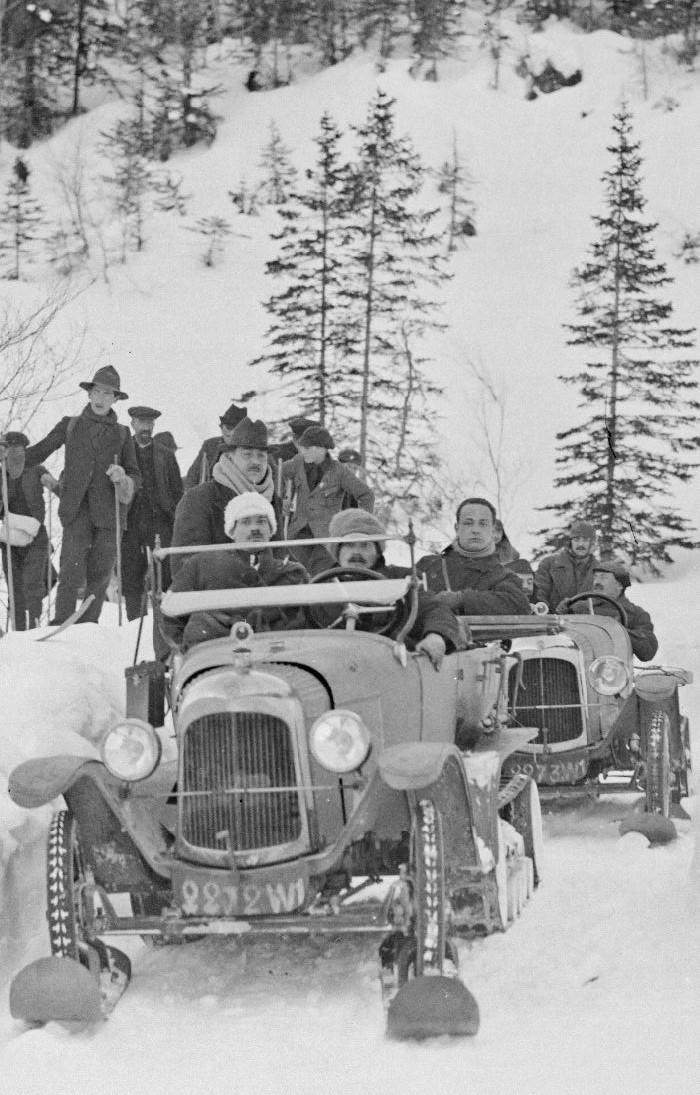 Concours de voitures à neige au Col du Sappey le 9 Février 1922 125