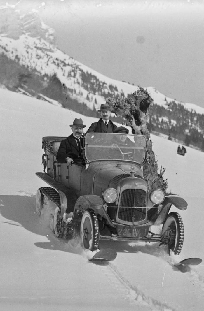 Concours de voitures à neige au Col du Sappey le 9 Février 1922 1412