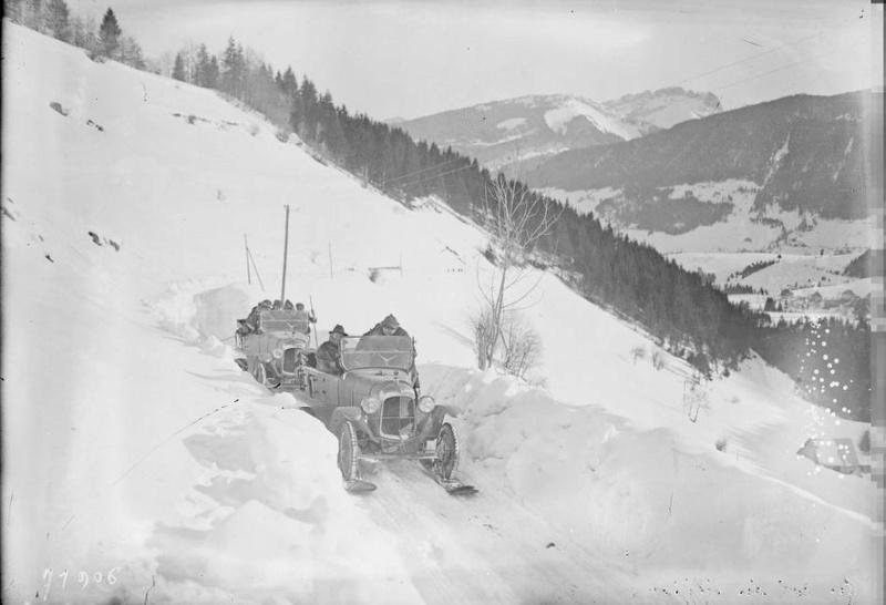 Concours de voitures à neige au Col du Sappey le 9 Février 1922 229