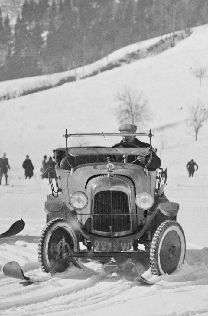 Concours de voitures à neige au Col du Sappey le 9 Février 1922 3811