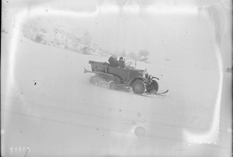 Concours de voitures à neige au Col du Sappey le 9 Février 1922 4411