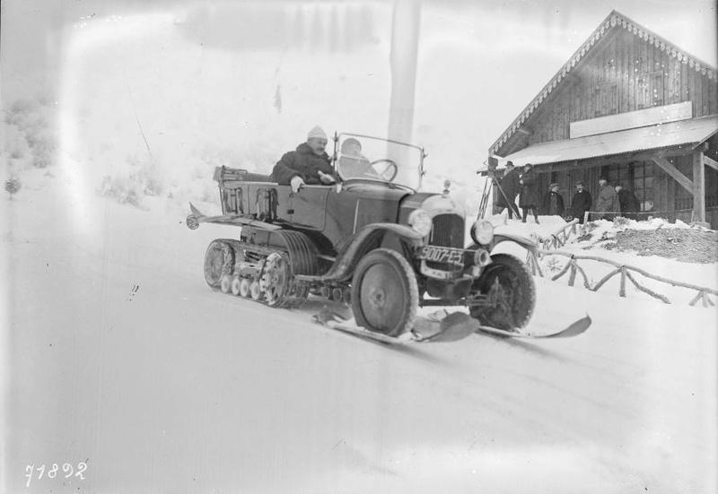 Concours de voitures à neige au Col du Sappey le 9 Février 1922 5211
