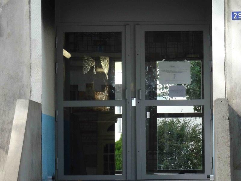 Incendie foyer des jeunes travailleurs rue Nationale Dsc00819