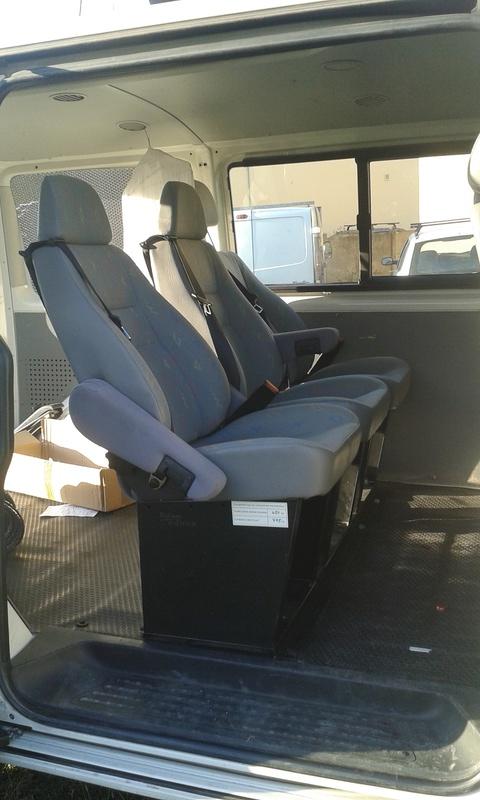 Vends Sièges arrières T5 de 2004, Poulie embraye climatisation et séparation  20160811