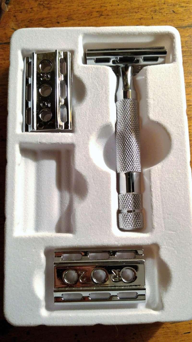 Rockwell Razors 6C - modèle Chrome - - Page 3 Conten11