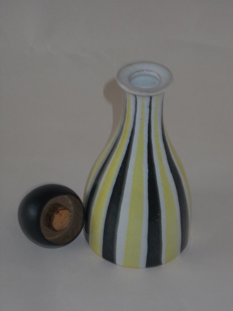 Surrey Ceramics Yel211