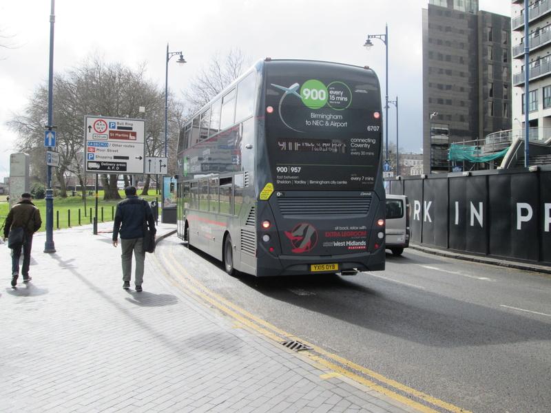 Les cars et bus anglais Img_4012