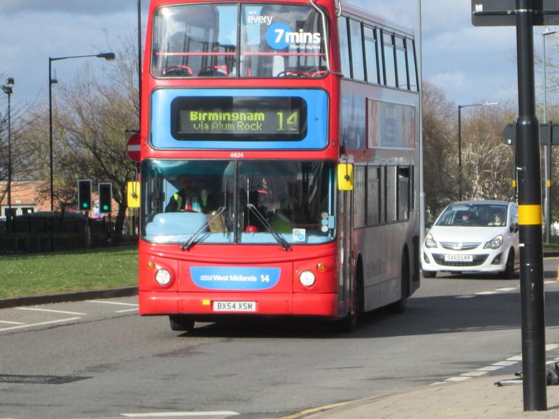 Les cars et bus anglais Img_4111