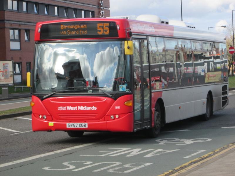 Les cars et bus anglais Img_4114