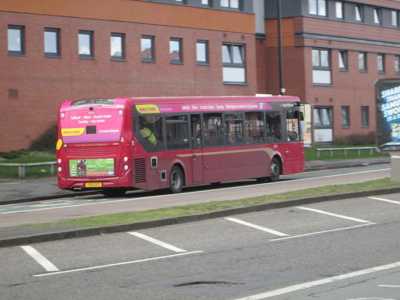 Les cars et bus anglais Img_4115