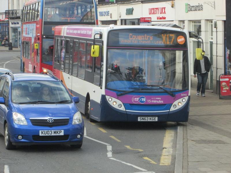 Les cars et bus anglais Img_4117