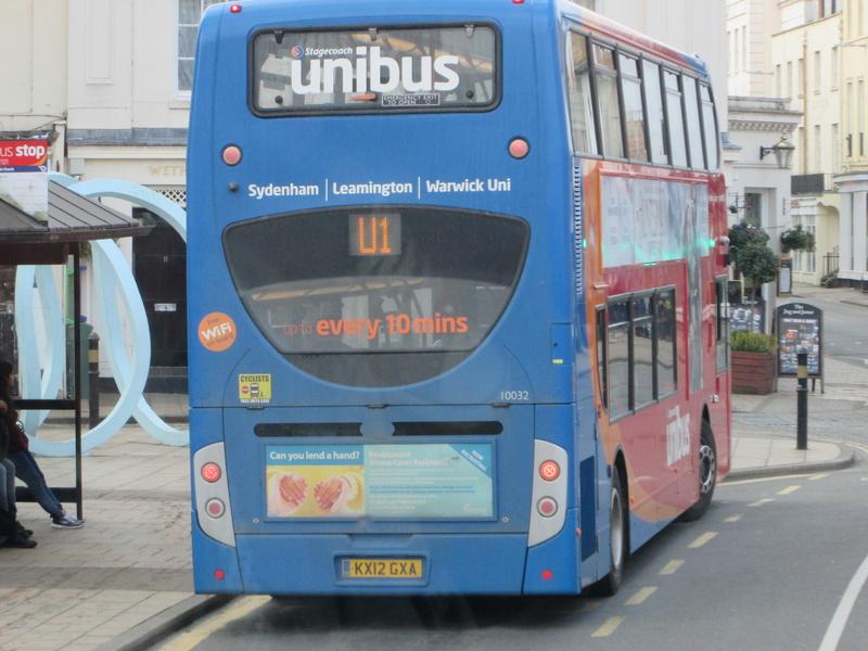 Les cars et bus anglais Img_4118