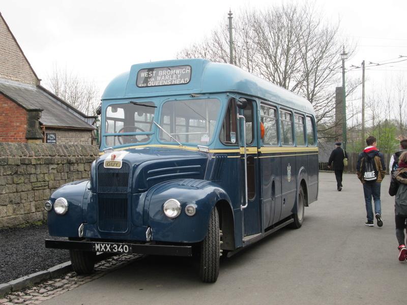 Les cars et bus anglais Img_4210