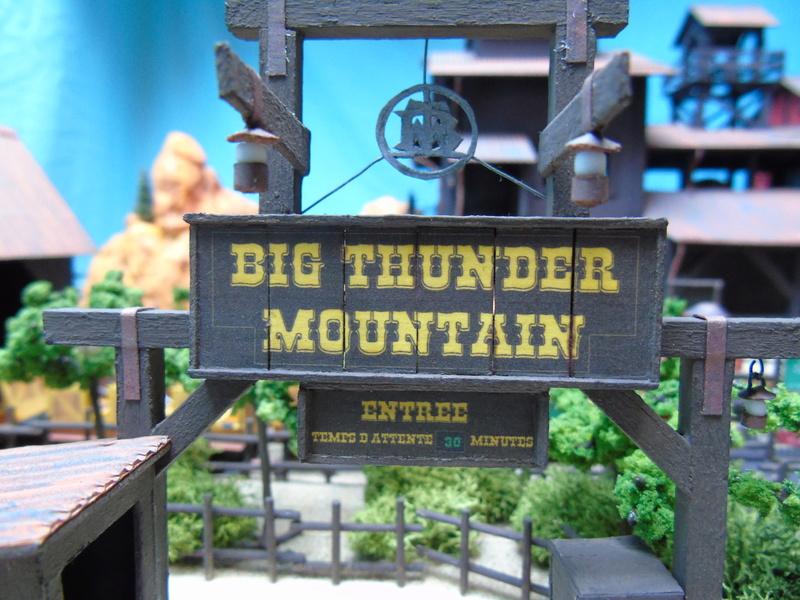 [Maquette] Big thunder mountain PARTIE 2 - Page 4 Dsc01018
