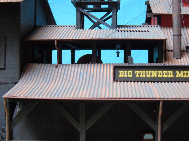 [Maquette] Big thunder mountain PARTIE 2 - Page 4 Dsc01026