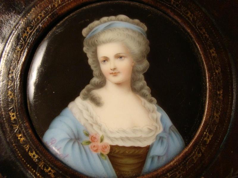 A vendre: miniatures de Marie Antoinette? - Page 5 24873910