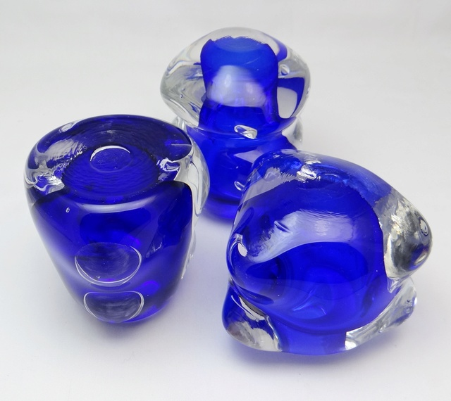 ID help S/3 Knobbly Shaped Glass Vases  Dsc05414