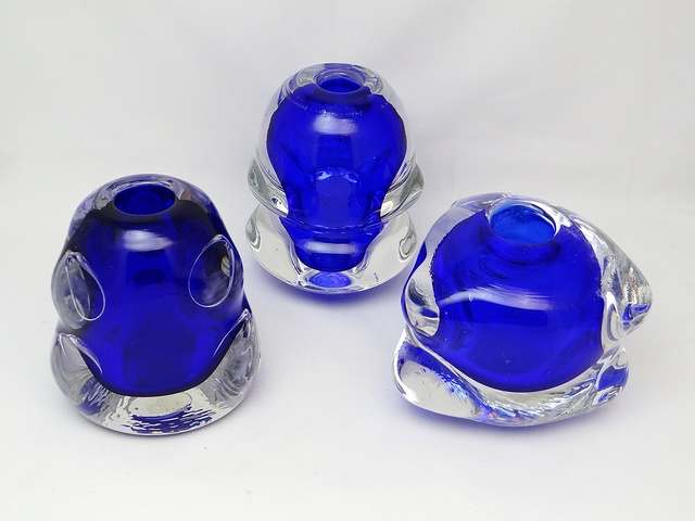 ID help S/3 Knobbly Shaped Glass Vases  Dsc05415