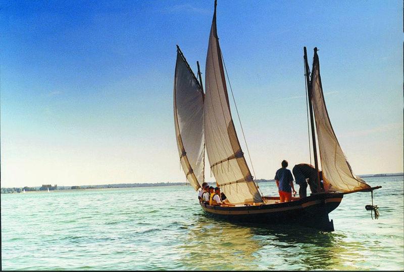 Le patrimoine navigant, bâti de notre littoral et les réserves naturelles marines - Page 4 Yole_d14