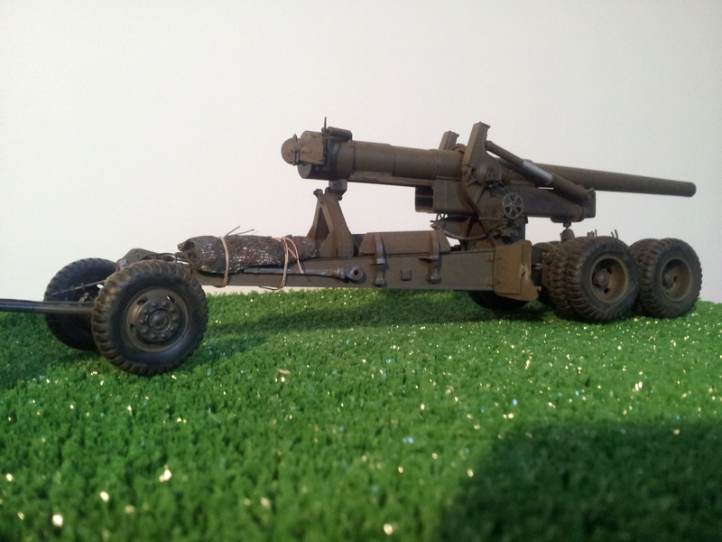 High speed tractor + 155 howitzer HOBBY BOSS 1/35 20140111