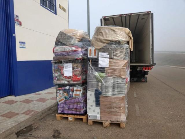 6 jan, ook de 2 pallets zijn aangekomen bij Villa Felis 49413410