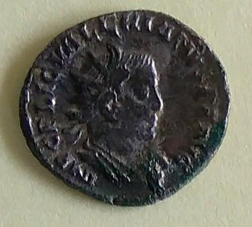 Antoninien à identifier Imag0810